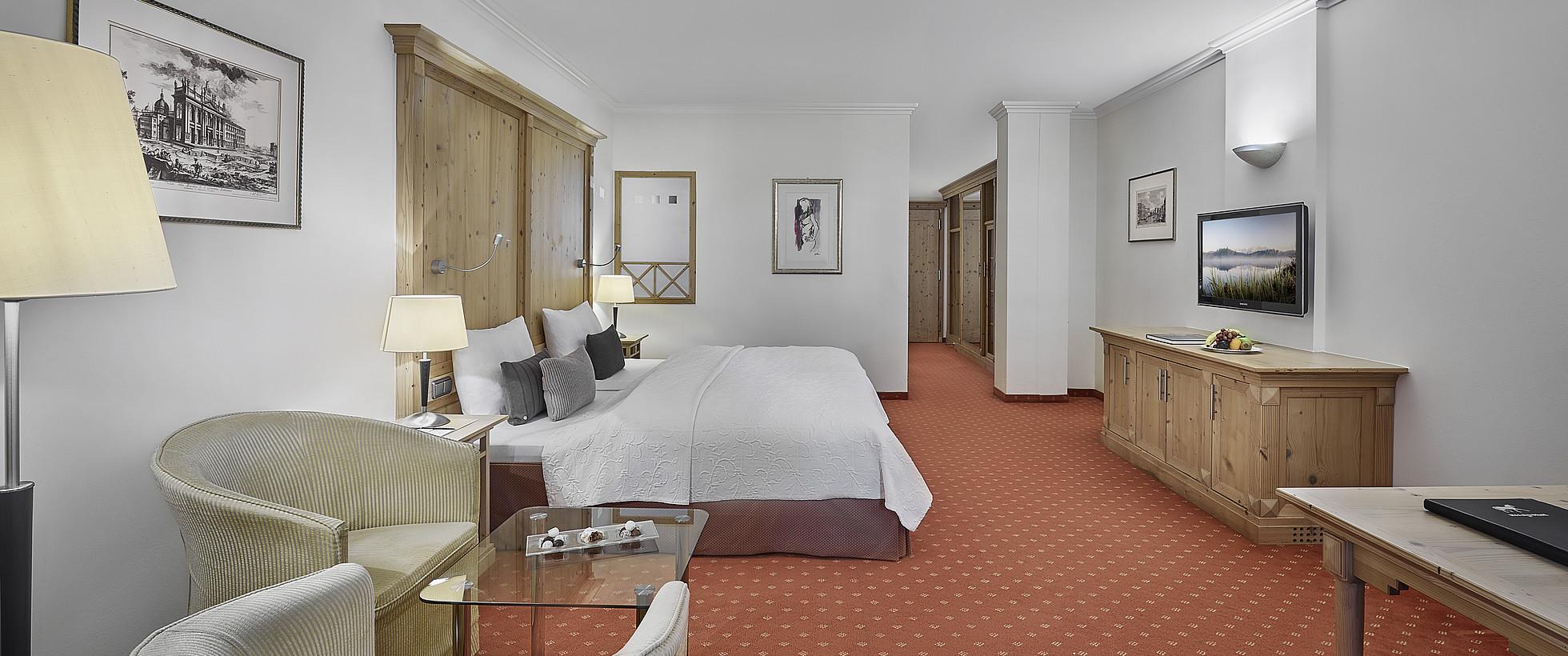 Superior zimmer residenz greif hotel weisses r ssl kitzb hel for Superior zimmer